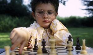 boy-playing-chess